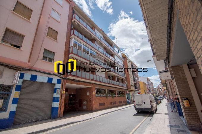 Pisos Venta Zaragoza Zaragoza Delicias Calle Caspe<br> Vivienda del 2005 con Garaje y Trastero